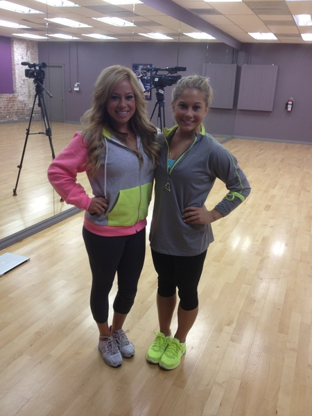 """Hey girl!!! @ShawnJohnson Check out our awesome twin pic today...so excited about the games we can play with the paps lol!!"