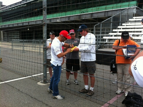 .@TonyKanaan visits with fans in pit lane @IMS opening day.  @IndyCar @kvracing #Indy500