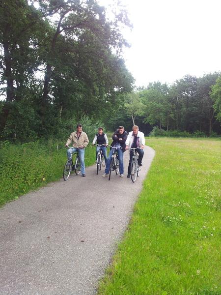Mannen van @mooiwark in aktie op de fiets #bergieopenbergieaf #tourdujour