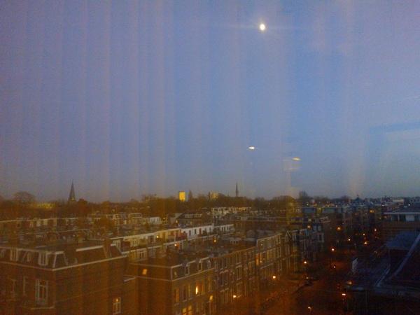 Zonlicht valt nog net op de IBB-flat Utrecht