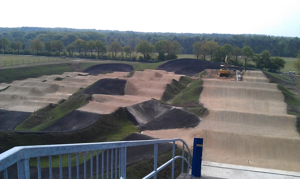 Baan BMX Supercross #papendal bekeken vanaf de startheuvel.. 