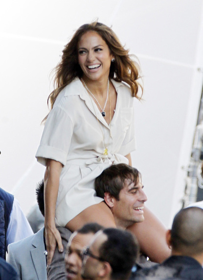 &quot;You guys, I&#039;m single again.&quot; [Jennifer Lopez filming new video]