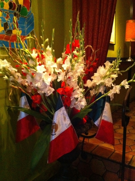 The last hurrah for all our Mexican Bicentennial flower arrangements in Topolo and Frontera.AND 4 chiles en nogada