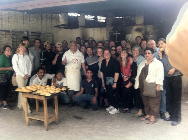Puebla artisanal Pan Coty: Don Celestino &amp; sons w our staff in front of oven