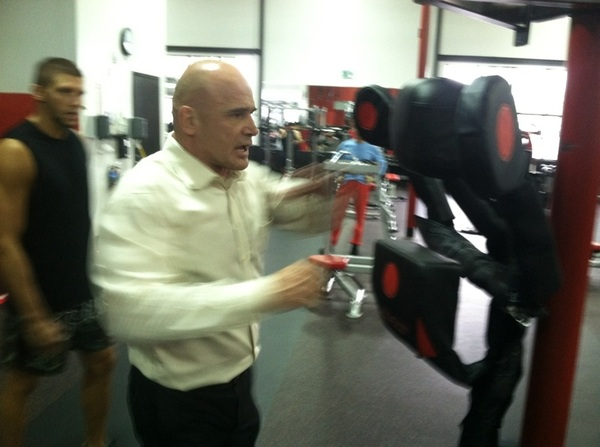 @BasRuttenMMA demonstrating how to use the body action system that he created  @UFCGym Torrance