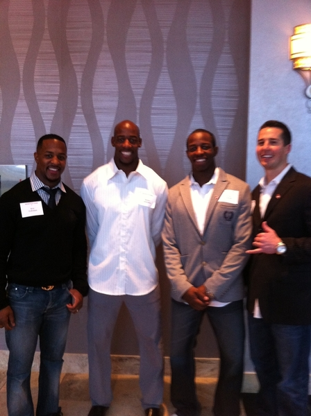 @HamzaAbdullah21  @HAbdullah39 @Jasongesser and I at the #Coug function showing love!! #GoCougs