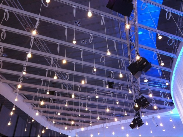 I've just learnt that #LED keeps the same color temperature after dimming. #Philips #lb12 #plb12