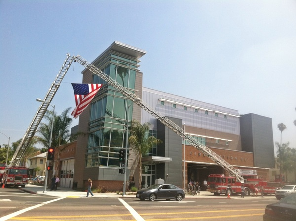 Sun finally came out ~ waiting for the fly-by at #LA #Fire Station 82 grand opening