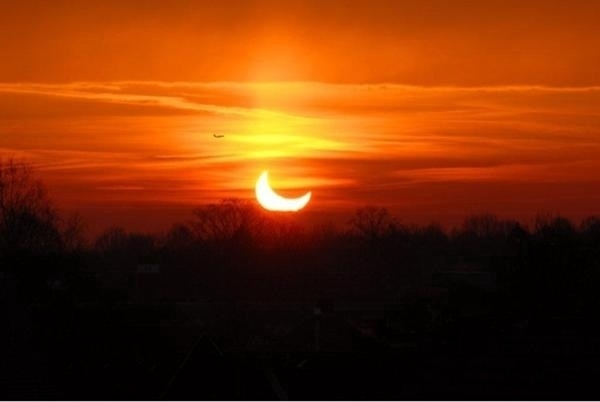What a beautiful eclips we can see today! #eclips
