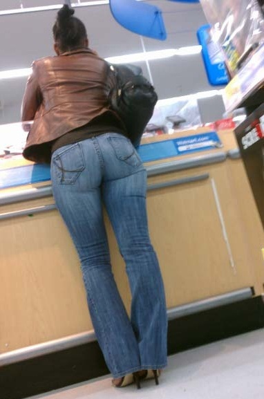 Latina Facturando #ass #boo
