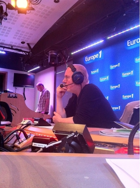 #basse interruption de l'émission pour un flash de NY #dsk #europe1