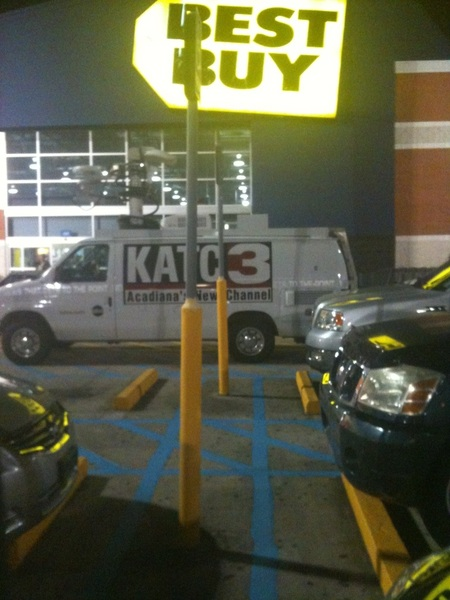 Even got da news ppl at da Lafayette Best Buy..
